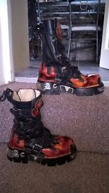 New Rock Reactor Boots - Black and Flame - Size 6
