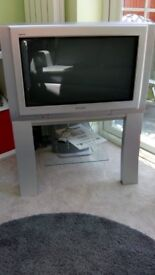 """28"""" Panasonic TV with built in freeview - good condition"""