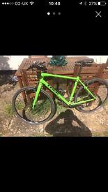 Trek 7.3 fx 51 cm 20 inch hybrid bike. No damage to the frame. CASH on collection