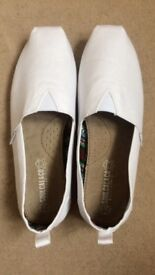 Brand New SoulCal Espadrilles/Slip On Shoes Size 7 (never worn)