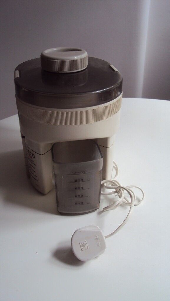 Juicer (Kenwood JE 600) including instruction manual in various languages