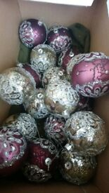 18 Christmas Baubles