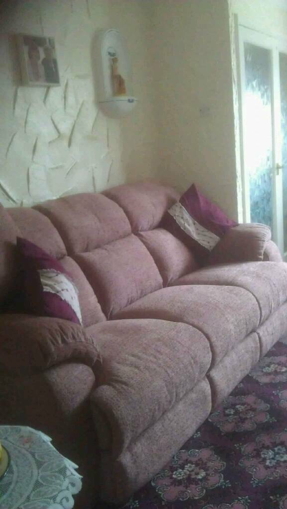 3 piece suite with recliner chair
