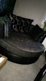 Cuddle chair/Swivel Chair