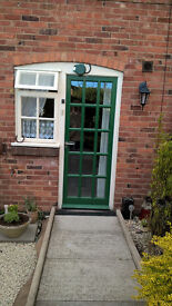 Listed gorgeous one bed ground floor flat, garden, parking Bridgnorth to Devon ideally or close by