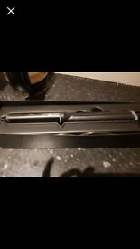 Ghd curling wand only been used once my hair is too short for this . Basically brand new