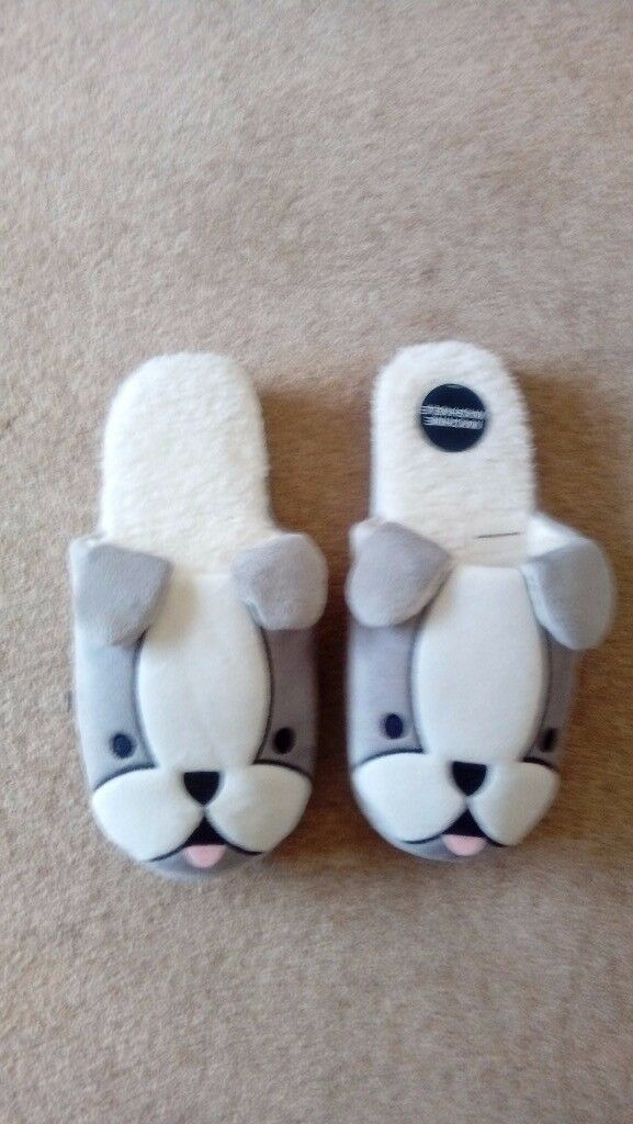 'Dog' slippers
