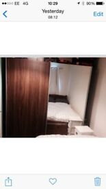 Double sliding mirrored wardrobe in excellent condition