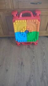 MegaBloks Build and Learn 3 in 1 Table