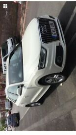 Audi Q3 s line, cream colour, MOT Nov 18, full service history
