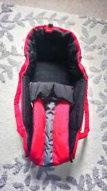 Phil & Teds Cacoon carrycot