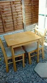 Maple wood table and 2 chairs £20