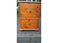 Pine 2 drawer filing cabinet