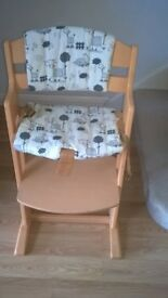 Wooden Height Adjustable Highchair with cushion covers