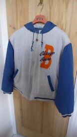 Hooded CHICAGO BEARS American Football STARTER jacket. Clean, freshly laundered. Size L. Reversible.