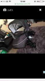 3D push chair and carrycot silver cross