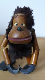 Collectible: cute, wooden, vintage, Gonk / Troll / Monkey / Ape. Believe from the 1950/1960s.