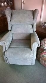 Richmond electric rise and recline chair. Very good condition £125 ono.