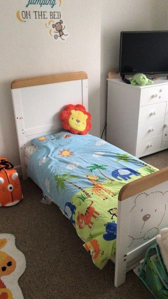 Tutti Bambini 3 bears 3 piece nursery set.