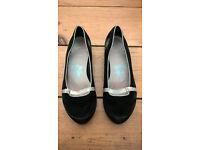 Size 5 Clarks shoes - hardly worn