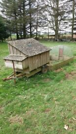 PORTABLE POULTRY HOUSE AND ENCLOSED RUN