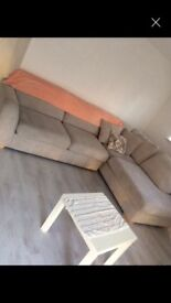 Sofa L shape (can be separated into 2)