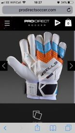 Sells Total JNR Goalkeeper gloves