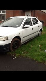 Vauxhall Astra. 2Ltr. White 5 door hatchback