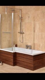 L shaped bath with panel and screen