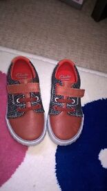 clarks shoes size 6 1\2 f