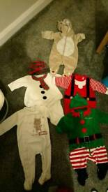 5 Christmas outfits 0-3