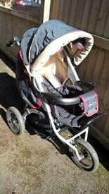 Chicco Tech 3WD Stroller and Car Seat with Rain Cover in Very Good Condition - 3 Wheeler