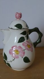 Villeroy & Boch 'WILDROSE' coffee pot / teapot. Attractive design. As new perfect condition. Unused