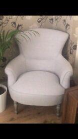 Stylish tub chair