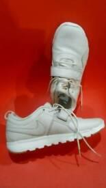 Nike trainers size uk 7