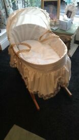 BEAUTIFUL CLAIRE-DE-LUNE MOSES BASKET WITH ROCKER STAND