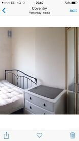 Double room available for working professionals £80 Pw all bills included cv6 text Sam to view