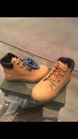 Kids timberland boots BNIB UK9