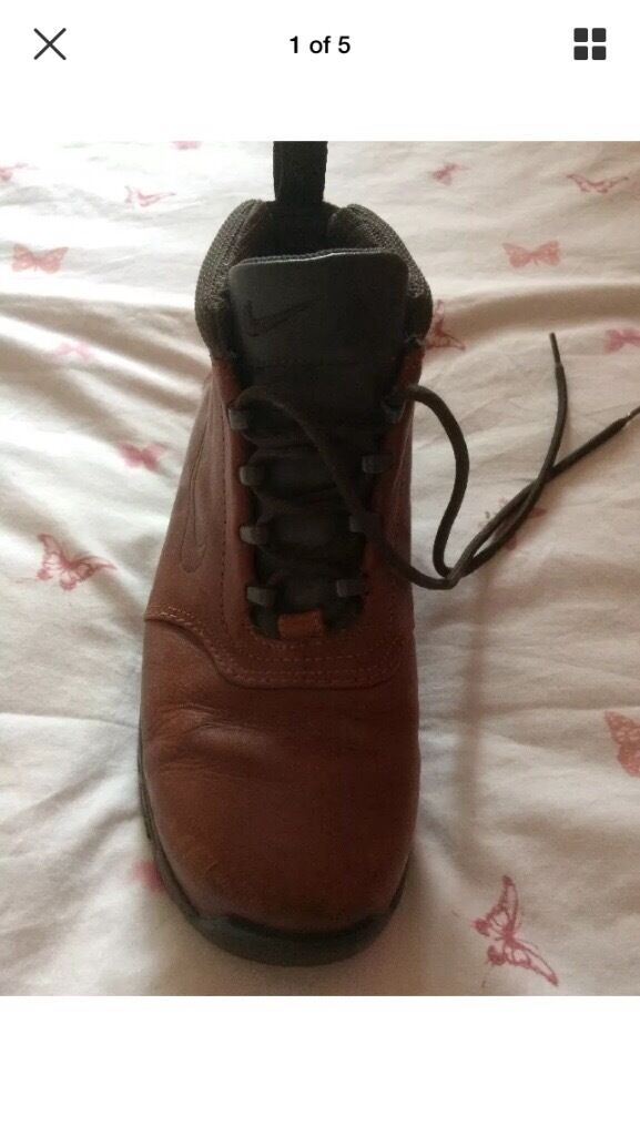 Really nice brown nike mens boots