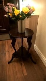 small table (unique features)