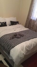 1 double ensuite room to let in a 2bed bungalow house in dartford