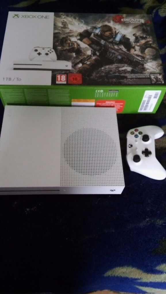 Xbox one S 1TB with controller and 9 games