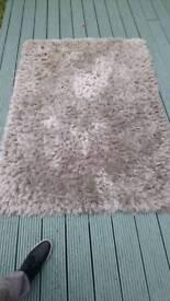 Silver shaggy rug