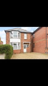 Lovely 4 bed 5 share detached house on Cowley £1995