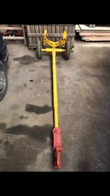 TOWING DOLLY FOR CARS