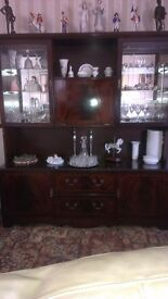 Wall unit with drinks cabinet.