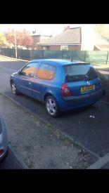 Renault clio spares or repairs