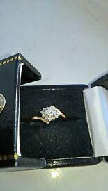 9 ct Yellow Gold Diamond Cluster Ring