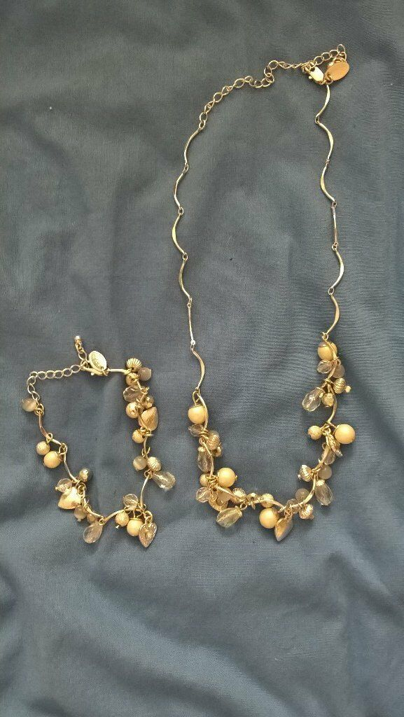 necklace and bracelet set. worn oncein Bournemouth, DorsetGumtree - A necklace and bracelet set Excellent condition, only worn once £5 for both Collection Redhill area Email if interested Smoke free home Thanks