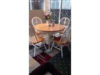 Quick sale!! Beautiful 4seat shabby chic/country table